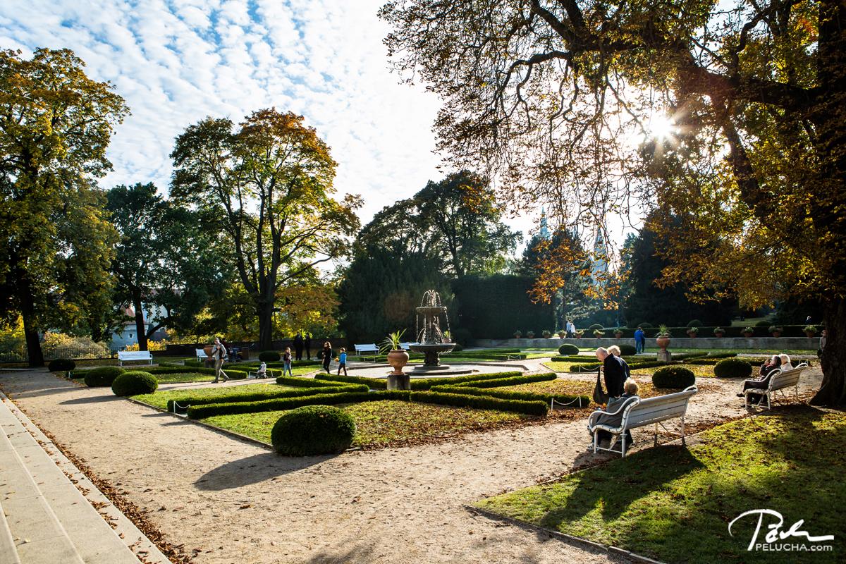 Top 5 gardens for wedding photographs Prague