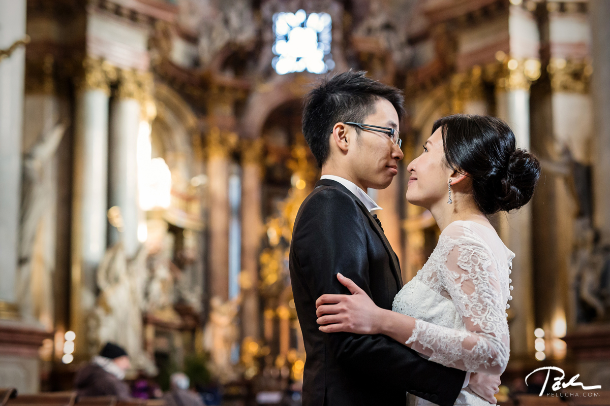 Pre wedding Prague church